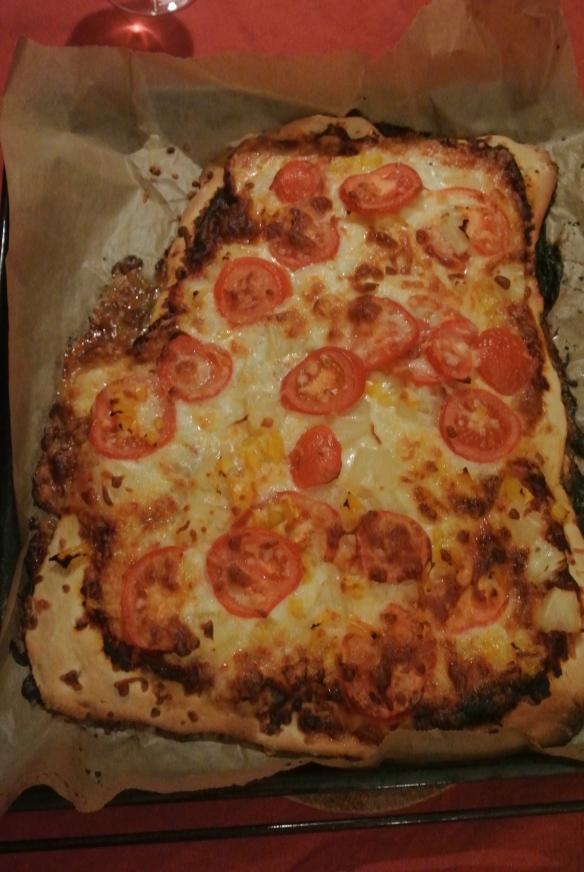 YUM! :D Misschien had ik toch beter een pizza verslag kunnen maken dan overloads aan foto's van pizza op de site zetten...